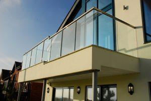 cam-balkon-korkulugu-300x201